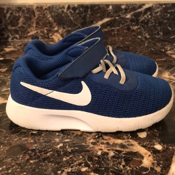 5d9d6c8504a Toddler Nike Blue Sneaker Nike Sneakers For Boys